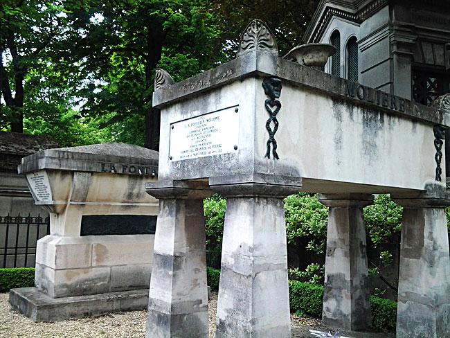 Могилы Мольера и Лафонтена на кладбище Пер-Лашез, Париж
